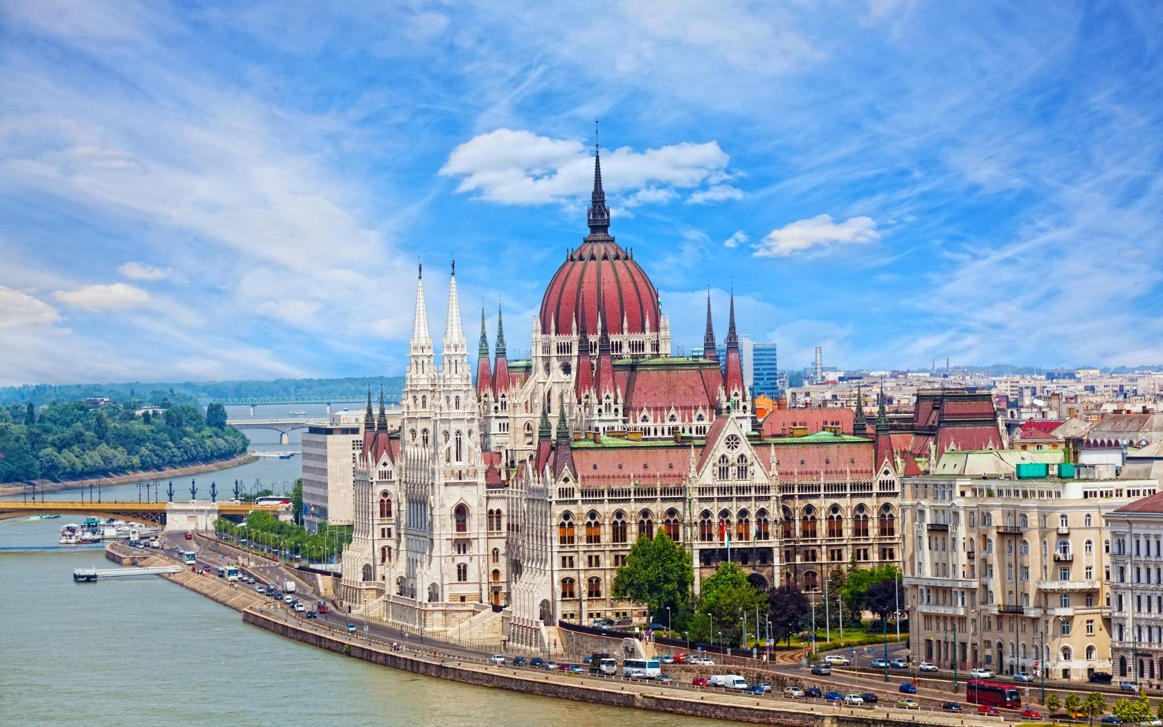 Срочная виза в Венгрию
