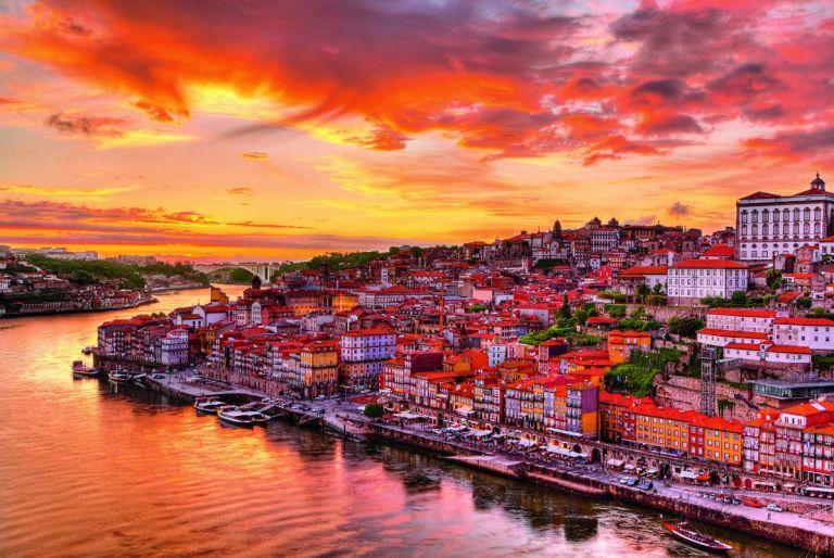 Правильное заполнение анкеты на визу в Португалию